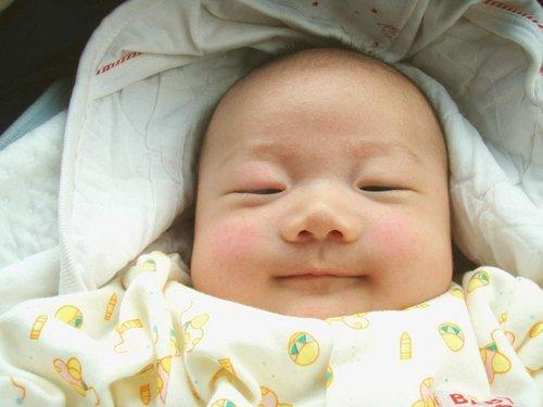 请问各位三个月ㄉ宝宝奶量和体重各多少 ㄋ,我