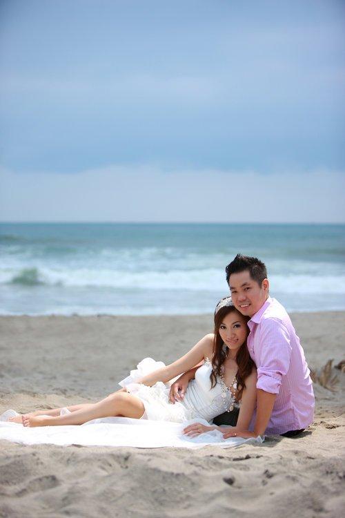 急.请分享棚拍缎面白纱婚纱照与海边白纱(蓝天&夕阳)婚纱照,谢谢!