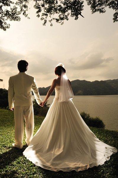 婚纱设计图 背影