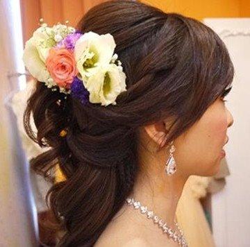 推荐给新娘的鲜花头饰造型~新秘游巧怡图片
