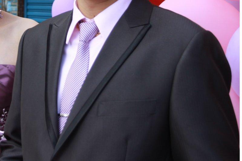 结婚粉色衬衫搭配什么颜色的领带比较好?