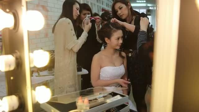 正妹靓女必學♥琳琳LINLIN老師♥日韓系造型 噴槍彩妝教學MV