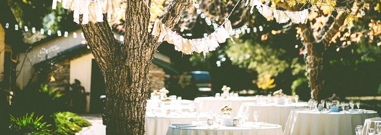 「戶外婚禮」的圖片搜尋結果